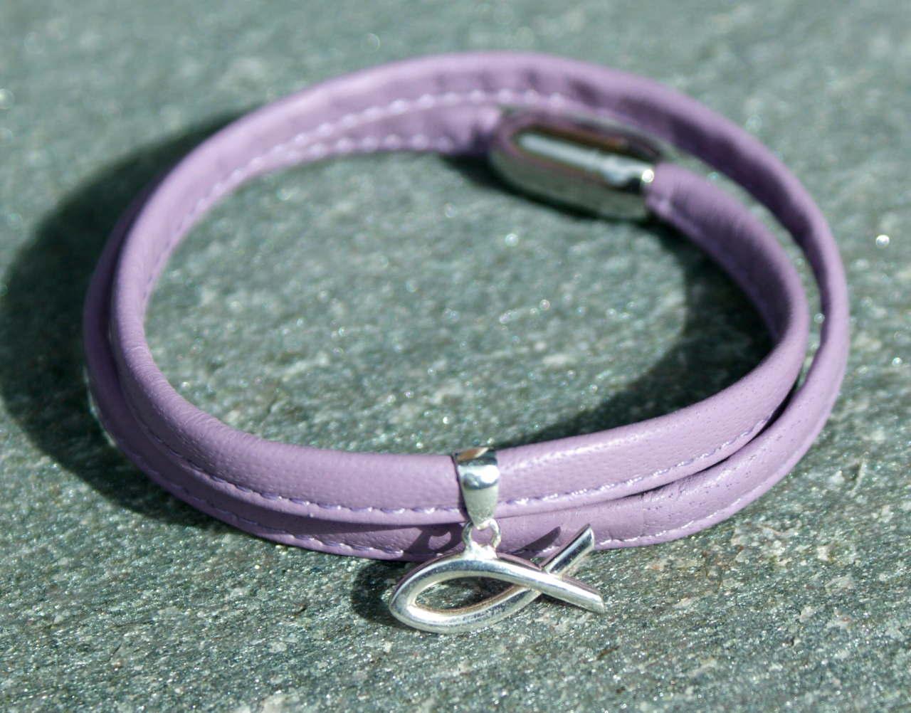 Kleinesbild - Wickelarmband flieder Nappaleder Ichthys Silber