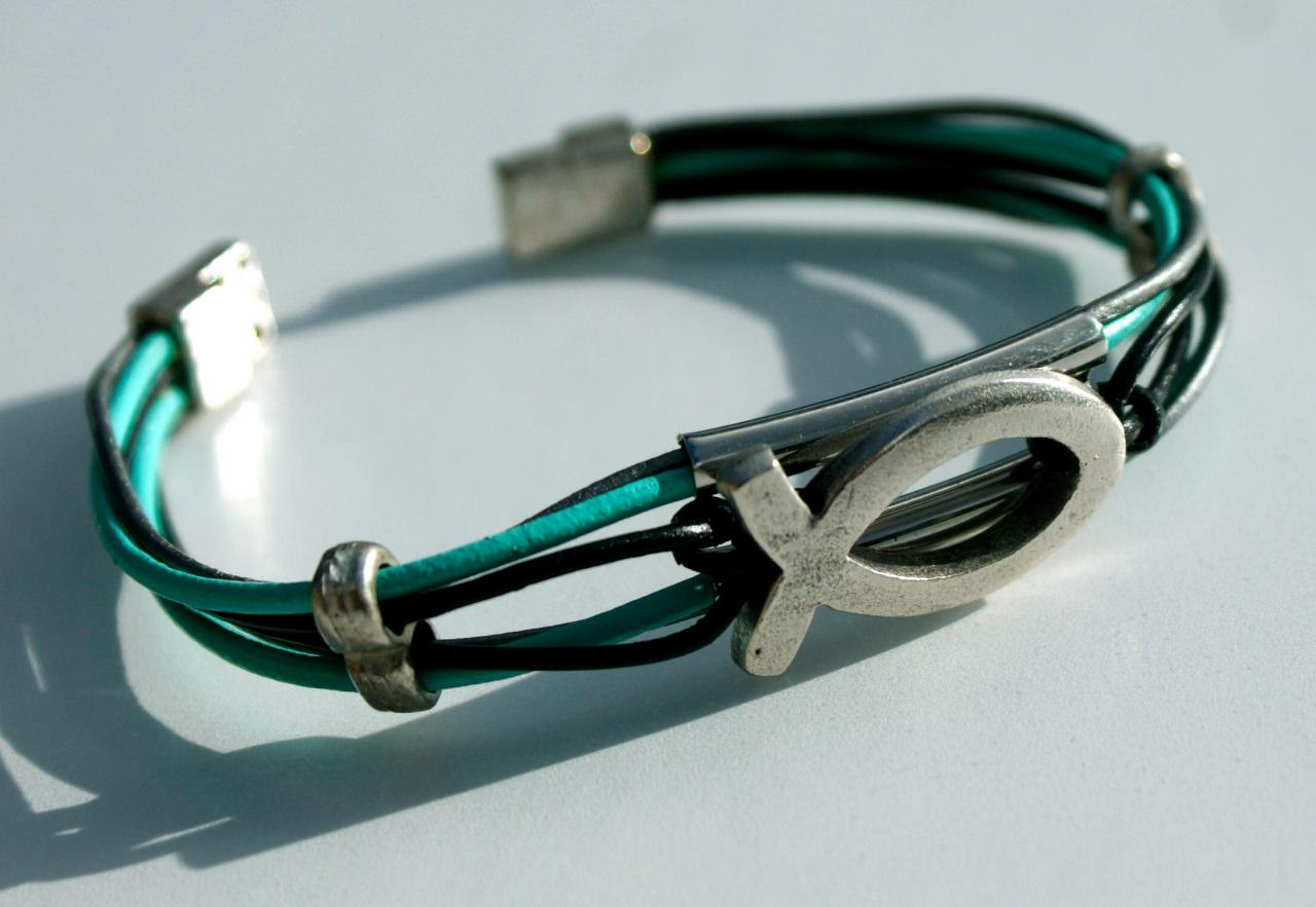 Kleinesbild - Armband ICHTHYS Leder 6fach mint grau schwarz versilbert