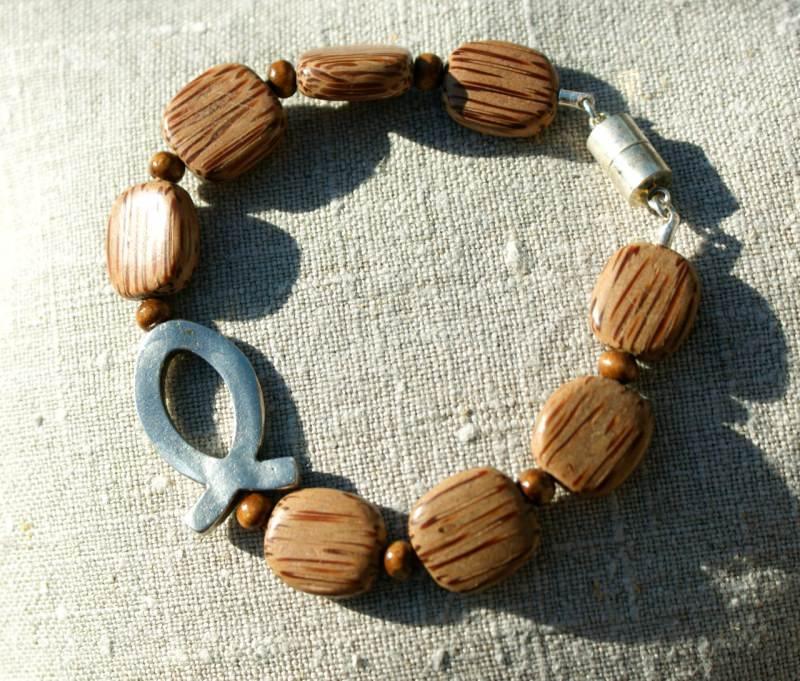 Kleinesbild - Armband ICHTHYS Palmholz Lederband versilbert Holz Magnetverschluss Fisch christlich