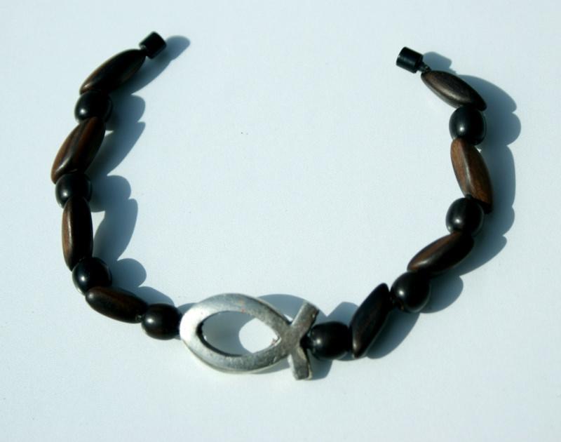 Kleinesbild - Armband ICHTHYS Ebenholz Lederband versilbert Holz Magnetverschluss Fisch christlich