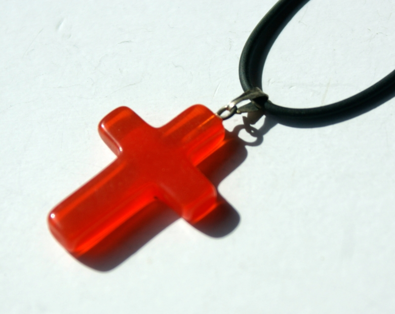 Kleinesbild - kleines Kreuz CATEYE ROT Anhänger Kautschukband christlich