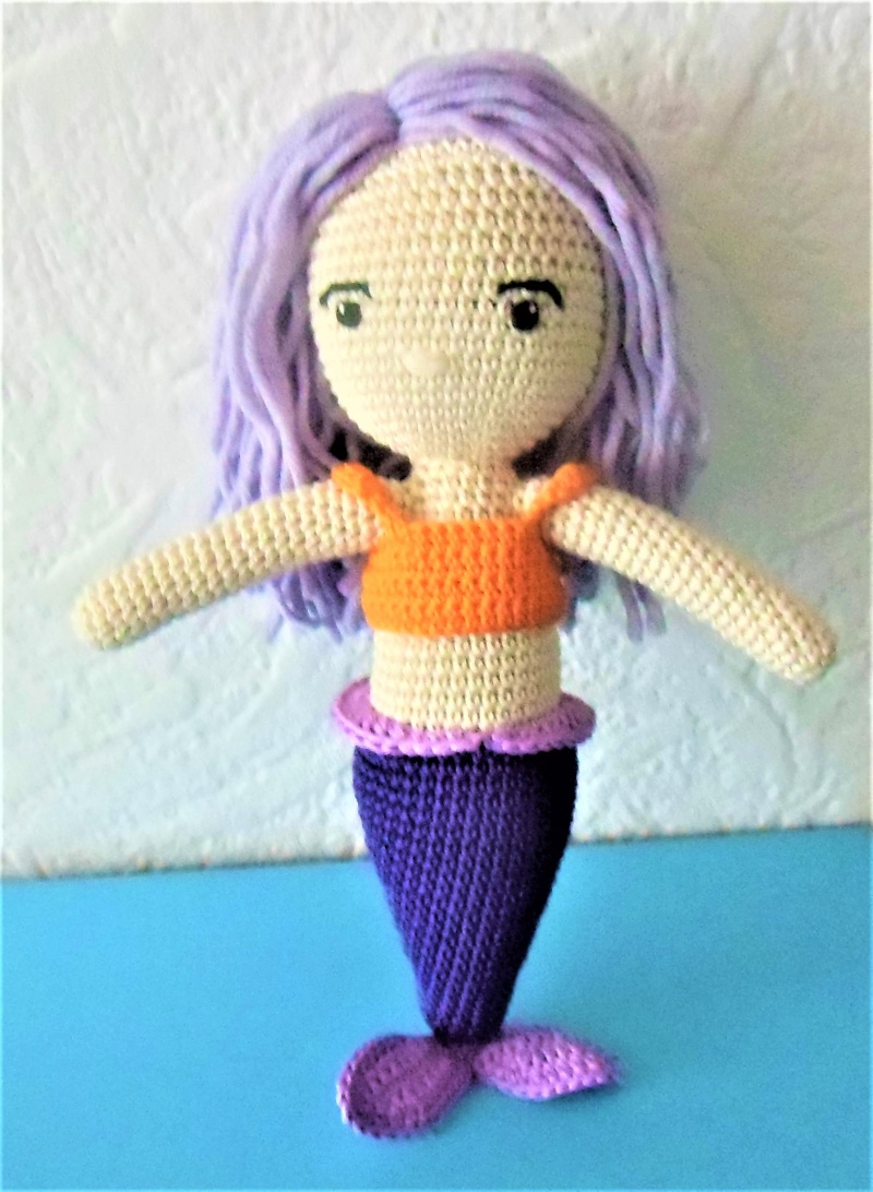 - gehäkelte Puppe Leila, die Meerjungfrau , Top zum an-und ausziehen , aus Baumwolle  - gehäkelte Puppe Leila, die Meerjungfrau , Top zum an-und ausziehen , aus Baumwolle