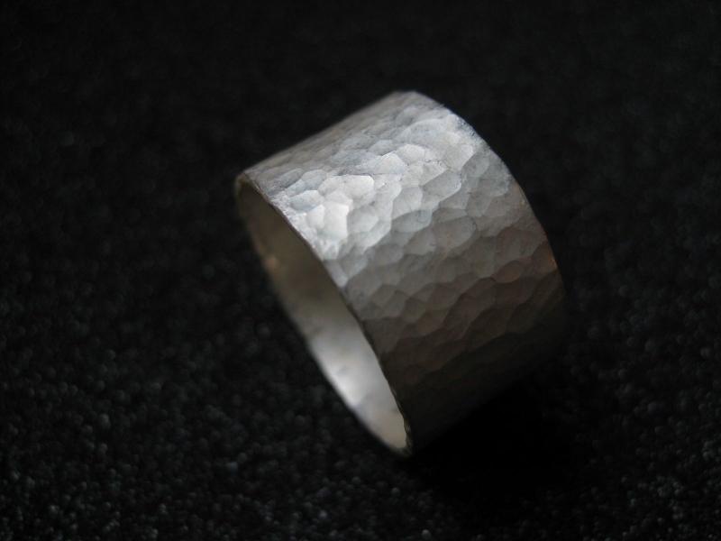 Kleinesbild - Schmiedering matt Silberring