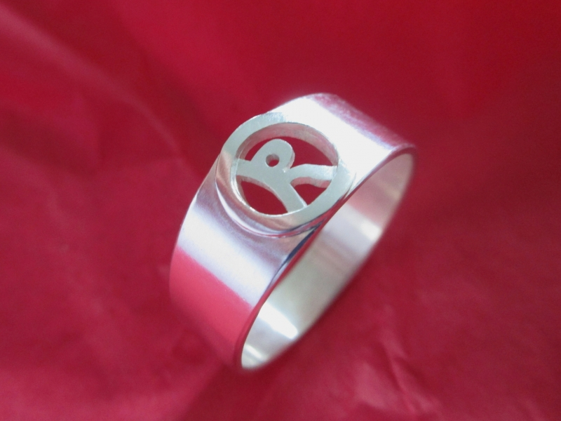 - Initial Silberring für Sie mit Buchstabe - Initial Silberring für Sie mit Buchstabe