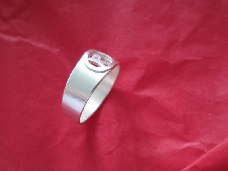 Kleinesbild - Initial Silberring für Sie mit Buchstabe