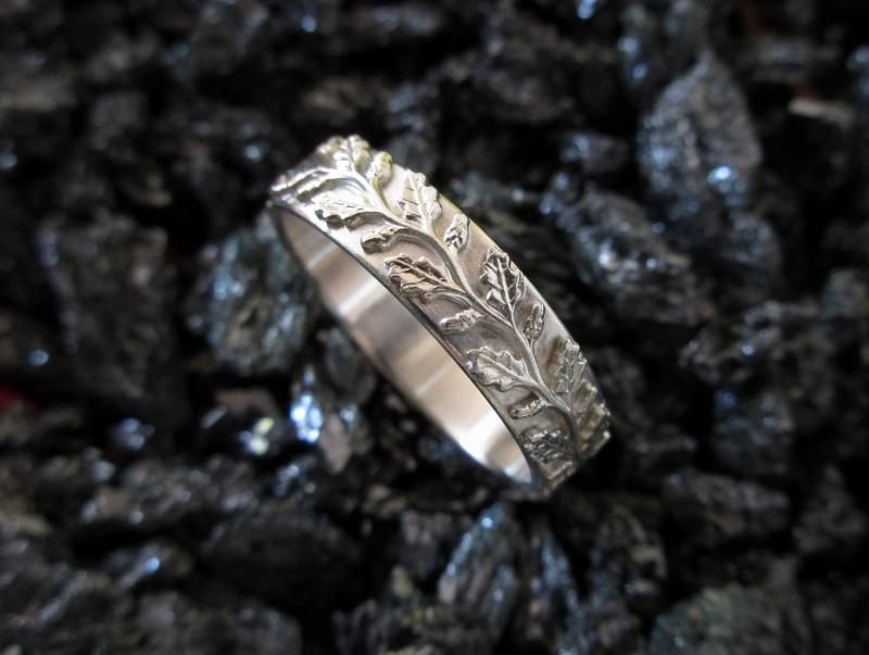 - Silberring Diana profilierter Ring mit Blätterreigen - Silberring Diana profilierter Ring mit Blätterreigen