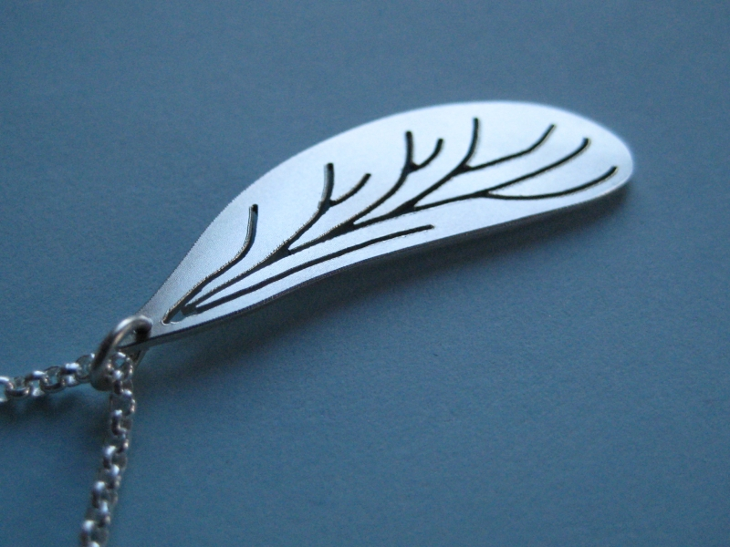 Kleinesbild - -Libellenflügel- Silberanhänger mit Kette