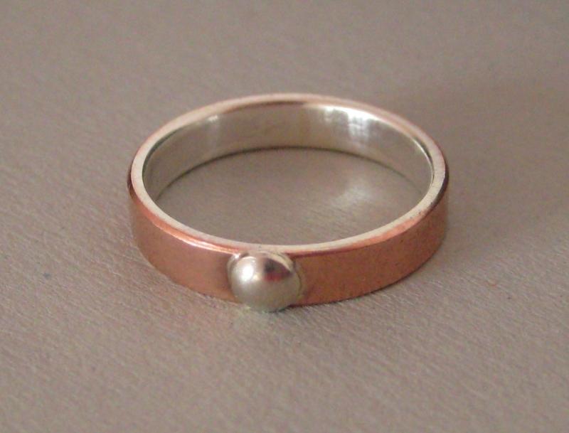 Kleinesbild - Kuppel Kupfer-Silber-Ring mit Silbercabochon