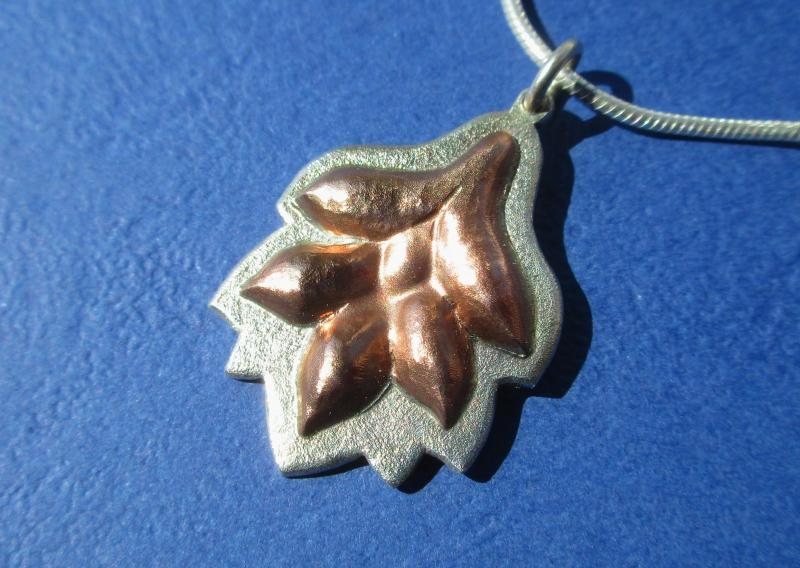 Kleinesbild - Blattanhänger Silber/Kupfer mit Kette