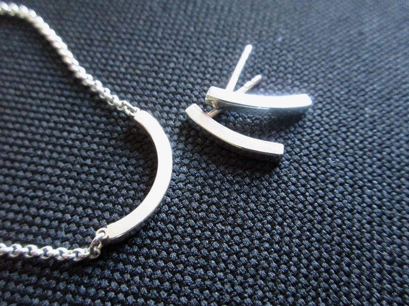 - -pretty simple- Ohrstecker und Kette aus Silber Bogen-Set - -pretty simple- Ohrstecker und Kette aus Silber Bogen-Set