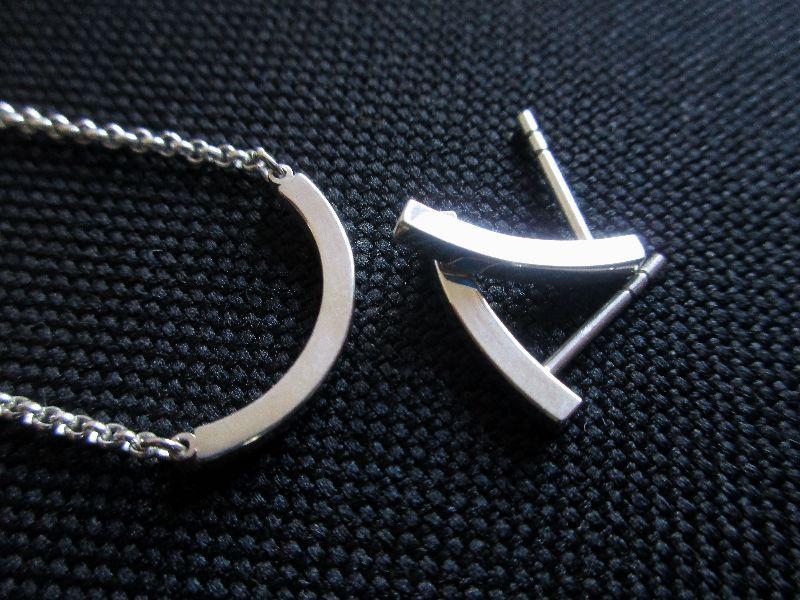 Kleinesbild - -pretty simple- Ohrstecker und Kette aus Silber Bogen-Set
