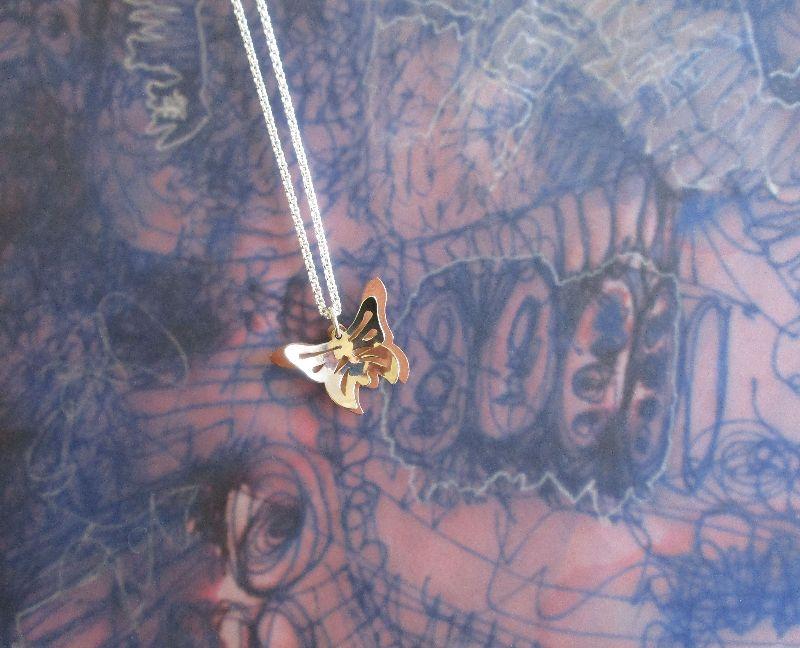 Kleinesbild - -Schmetterling- Anhänger aus Silber und Kupfer mit Kette