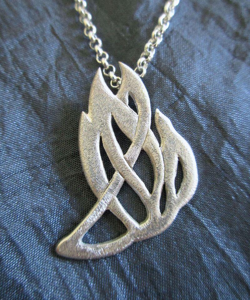 - Anhänger -Feuer und Flamme- Silberanhänger mit passender Silberkette Erbsösenkette - Anhänger -Feuer und Flamme- Silberanhänger mit passender Silberkette Erbsösenkette