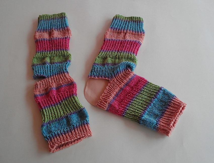 - Yoga-Socken aus Baumwollmischgarn - Gr. 38/39 - handgestrickt - bunt - frische Farben - Yoga-Socken aus Baumwollmischgarn - Gr. 38/39 - handgestrickt - bunt - frische Farben