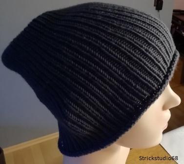 Kleinesbild - Strickmütze - Gr. S/M - handgestrickt - schlichte Mütze - für Damen und Herren - grau (anthrazit)