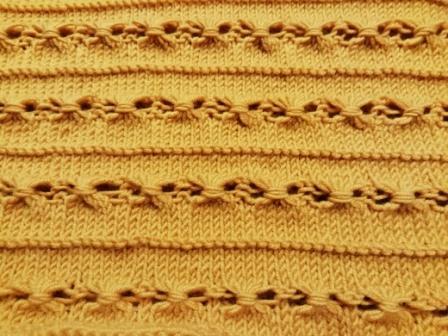 Kleinesbild - Kragenschal mit Muster-handgestrickt-einfarbig-senfton