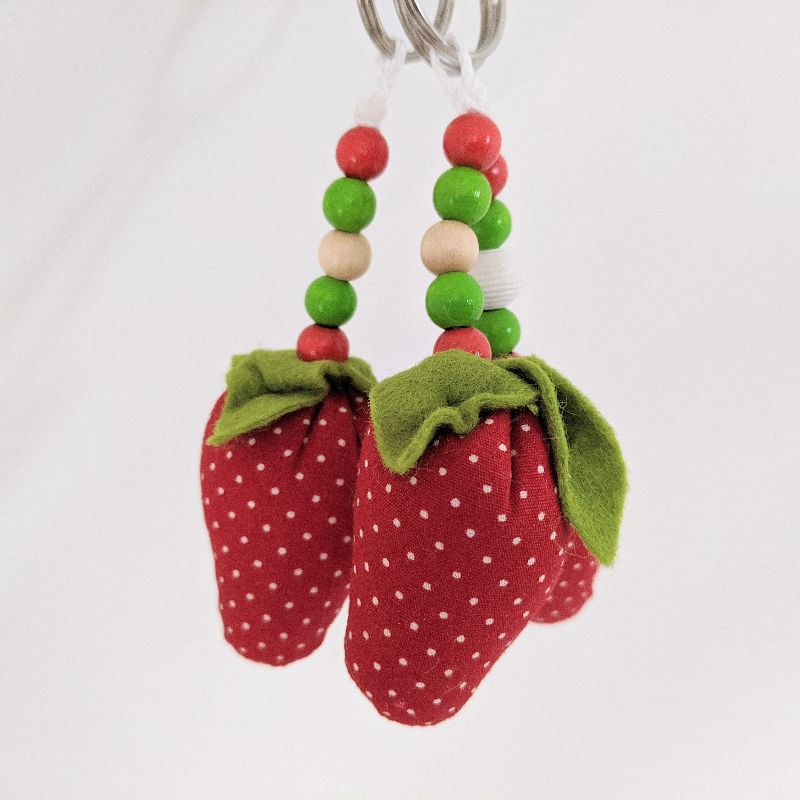 Kleinesbild - ♥️ Schlüsselanhänger Erdbeere ♥️ Taschenbaumler, Anhänger