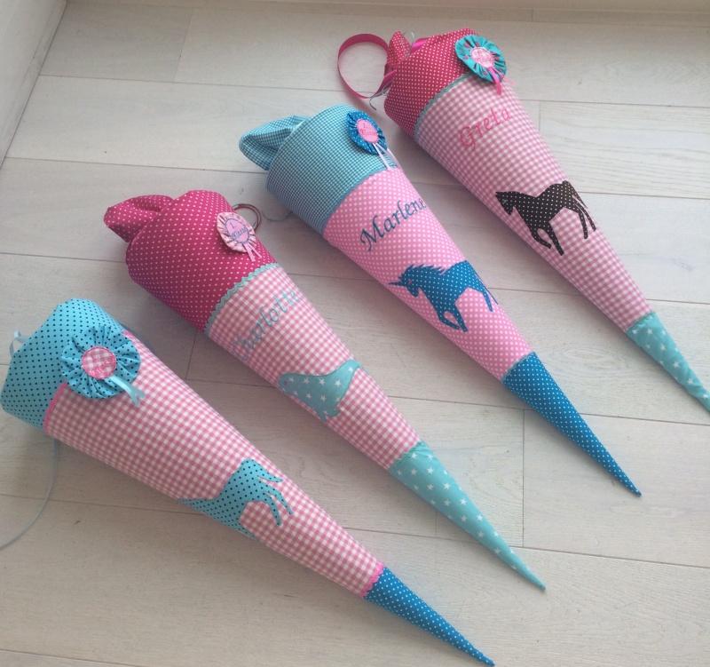 Kleinesbild - Handgefertigte Schultüte mit Namen und Pferd