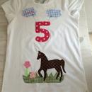 - handgefertigtes Geburtstagsshirt mit Zahl, Pferd und Namen   - handgefertigtes Geburtstagsshirt mit Zahl, Pferd und Namen