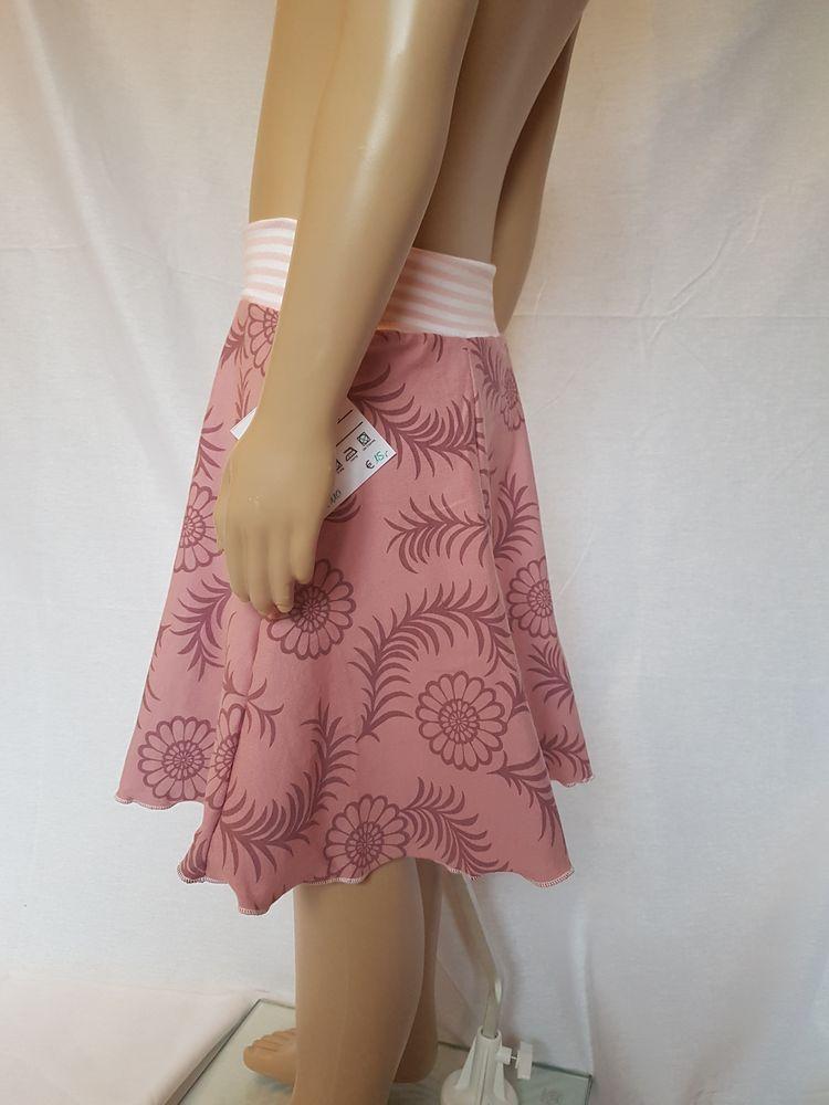 Kleinesbild - Tellerrock Gr. 110, rosa, genäht mit Blumenmuster