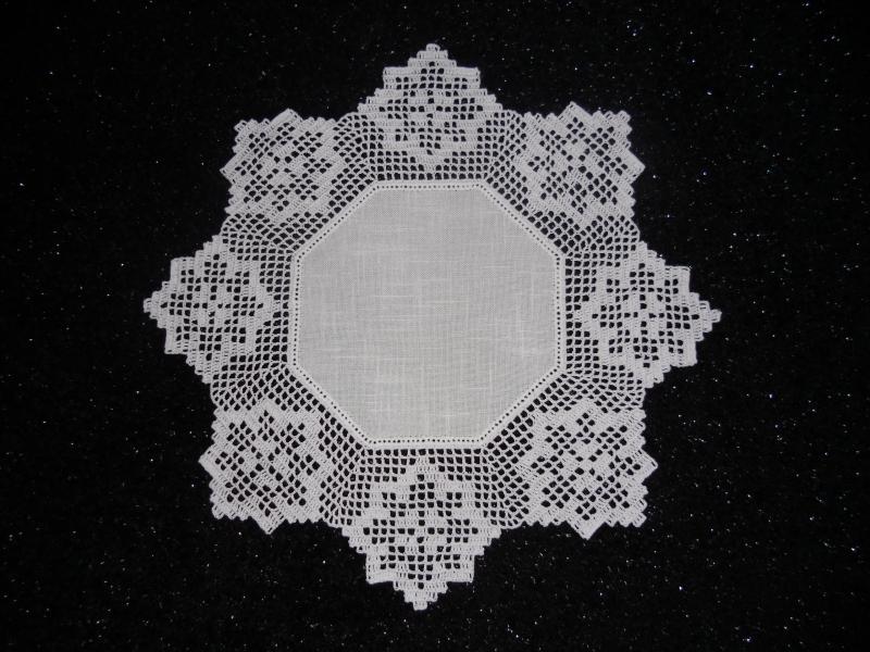 Wohnen : Häkeldecke, gehäkelte Decke mit einen zeitlos schönem ...