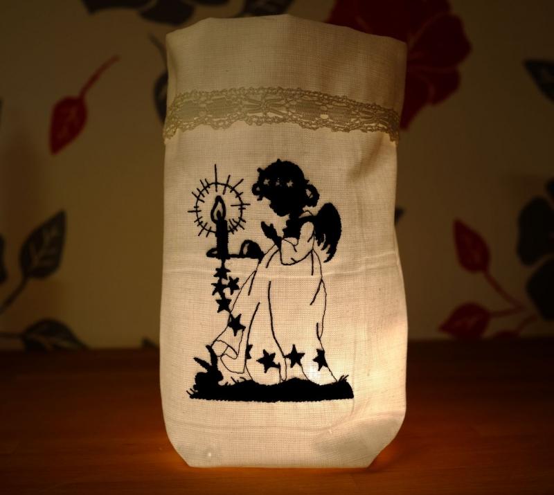 Kleinesbild - Bestickter Lichtbeutel mit feiner Spitze Windlicht Dekoration