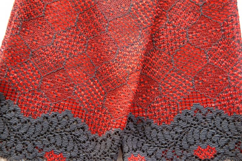 Kleinesbild - Armstulpen elastische Spitze schwarz-rot der Hingucker