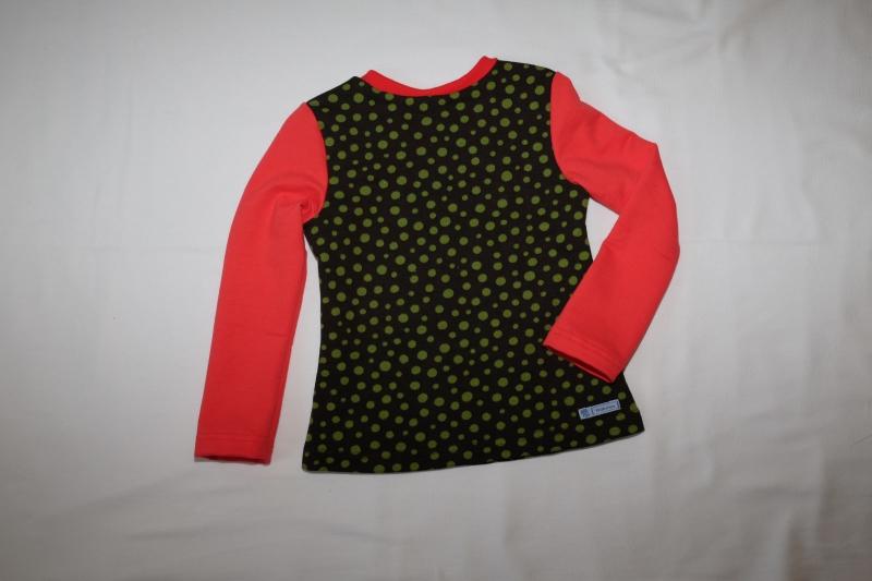 Kleinesbild - Sweatshirt Gr. 110/116 braun mit grünen Punkten roten Ärmeln