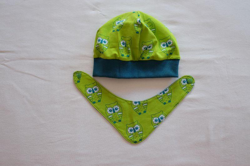 Kleinesbild - Beanie und Wende-Halstuch Jersey mit Eulen auf grün und petrol