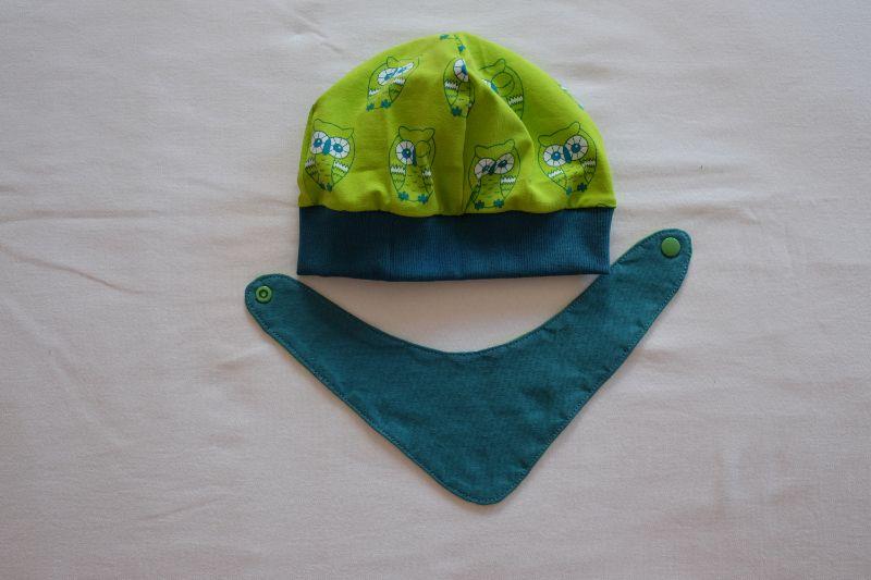 - Beanie und Wende-Halstuch Jersey mit Eulen auf grün und petrol - Beanie und Wende-Halstuch Jersey mit Eulen auf grün und petrol