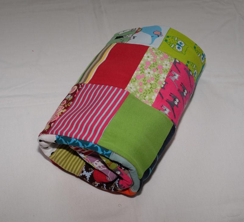 Kleinesbild - Patchworkdecke Babydecke 96cm x 96cm Jersey mit vielen Motiven