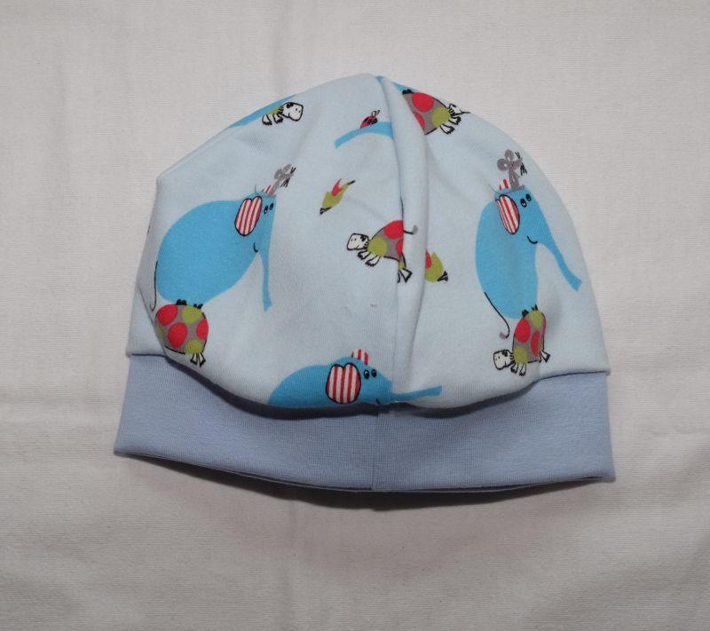 - Babymütze Beanie aus Jersey hellblau mit Elefanten  - Babymütze Beanie aus Jersey hellblau mit Elefanten
