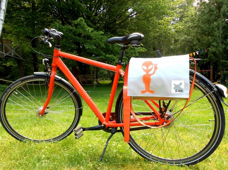 Kleinesbild - Fahrradtasche, Satteltasche, Lenkertasche, Umhängetaschen aus Plane fürs Fahrrad