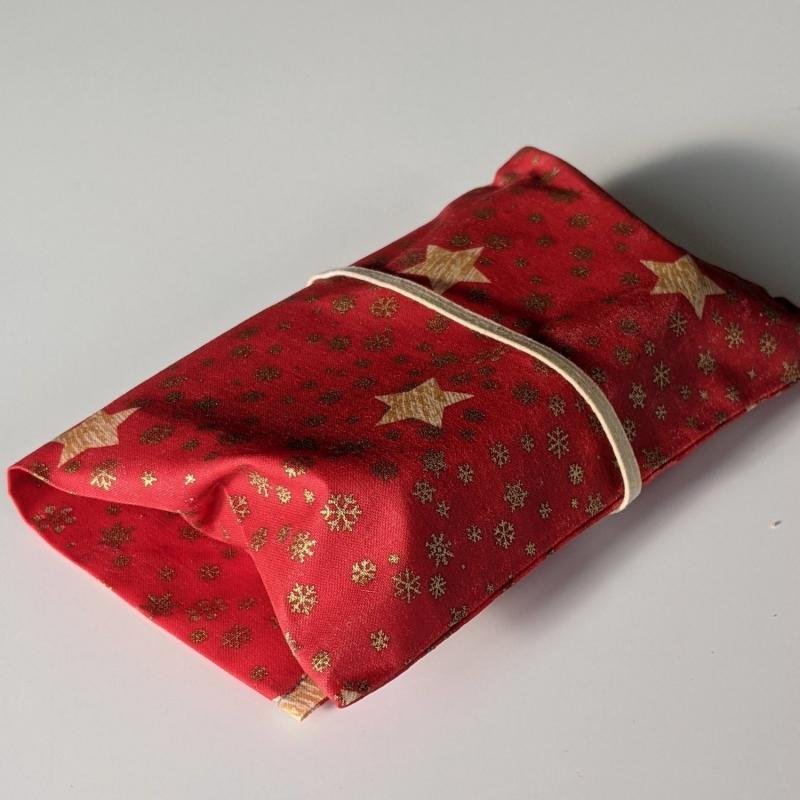 Kleinesbild - Lunchbag Brotbeutel Vegan Wachstuch Plastikfrei einpacken Aufbewahrung Geschenk Weihnachten Nicolaus Adventskalender  Sterne Schneeflocken rot gold (Kopie id: 100254151)