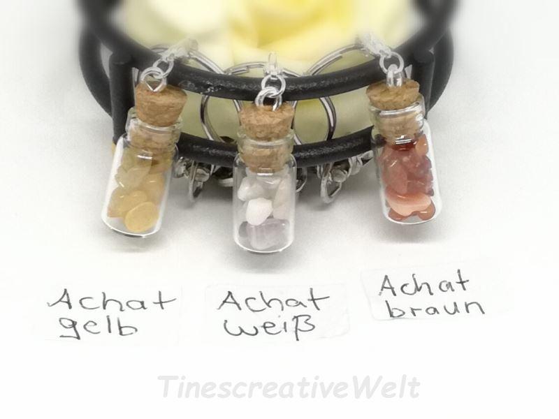Kleinesbild - Personalisierter Schlüsselanhänger mit Glasflasche gefüllt mit Achat Halbedelstein Splitter, Nuggets, Wechselanhänger, Taschenanhänger
