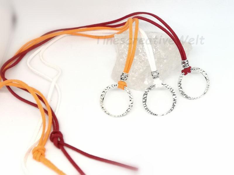 Kleinesbild - Brillenkette, Kette, Charmkette, Basiskette, Charm, Velourband, Velour, Halsschmuck, Schmuck, Geschenk