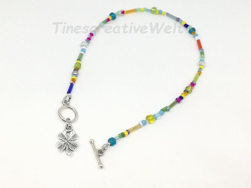 Kleinesbild - Fußkette, Fußkettchen mit Glasperlen, Perlen, Juwelierdraht, Kleeblatt, Glücksbringer, Knebelverschluss