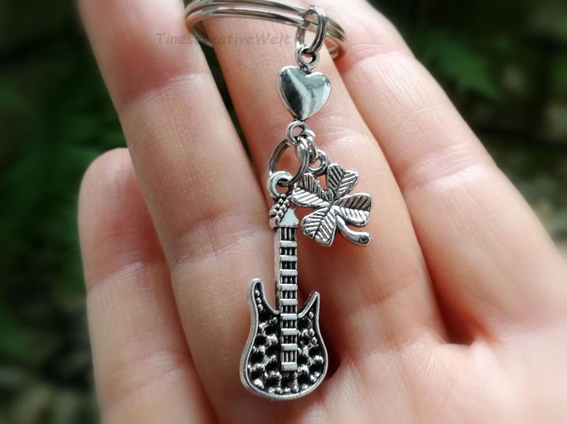 Kleinesbild - Schlüsselanhänger, E- Gitarre, Kleeblatt, Glücksbringer, Geschenk