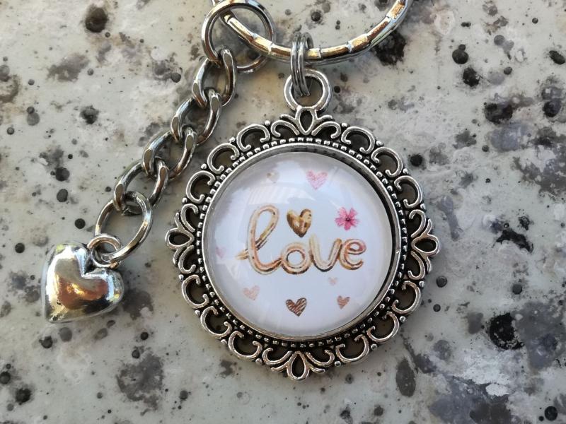 Kleinesbild - Schlüsselanhänger, Taschenanhänger, Glascabochon, Love, Herz, Geschenk für Frauen