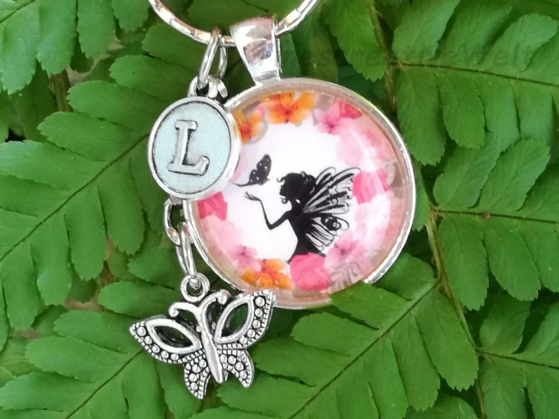 - Personalisierter Schlüsselanhänger, Glascabochon, Elfe, Fee, Geschenk für Frauen  - Personalisierter Schlüsselanhänger, Glascabochon, Elfe, Fee, Geschenk für Frauen