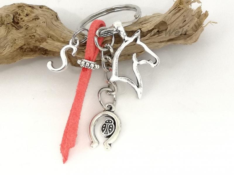 - Personalisierbarer Schlüsselanhänger, Pferd, Glücksbringer, Hufeisen, Marienkäfer, Geschenk - Personalisierbarer Schlüsselanhänger, Pferd, Glücksbringer, Hufeisen, Marienkäfer, Geschenk