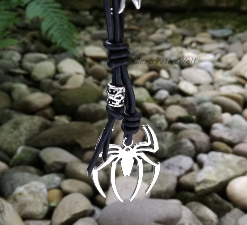 Kleinesbild - Personalisierbarer Schlüsselanhänger, Spinne, Echtleder, Geschenk für Frauen, Geschenk für Männer