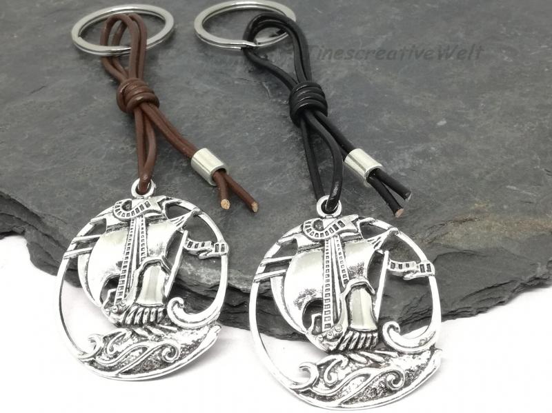 - Schiff, Piratenschiff, Schlüsselanhänger, Lederband, Anhänger, Geschenk für Männer  - Schiff, Piratenschiff, Schlüsselanhänger, Lederband, Anhänger, Geschenk für Männer