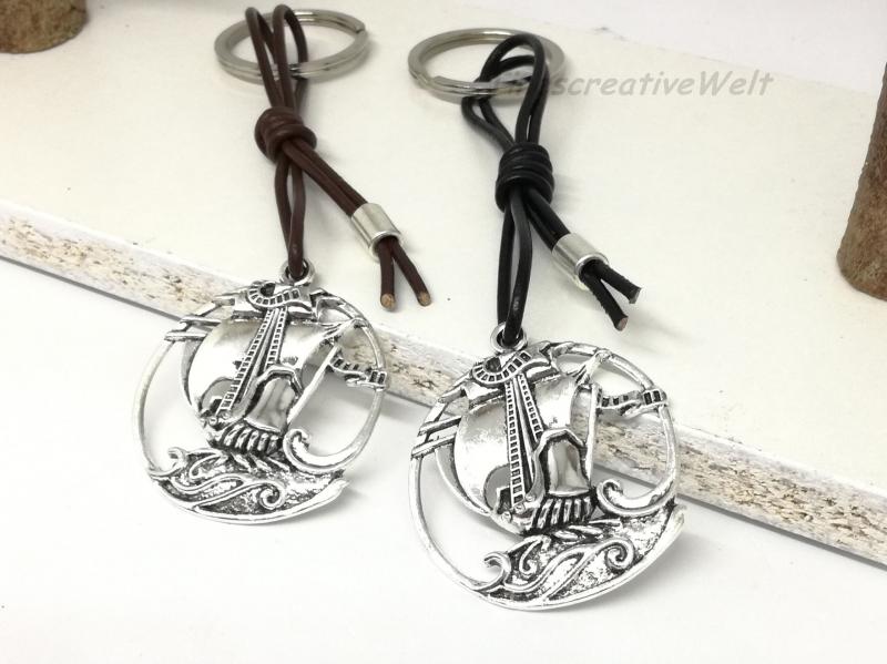 Kleinesbild - Schiff, Piratenschiff, Schlüsselanhänger, Lederband, Anhänger, Geschenk für Männer