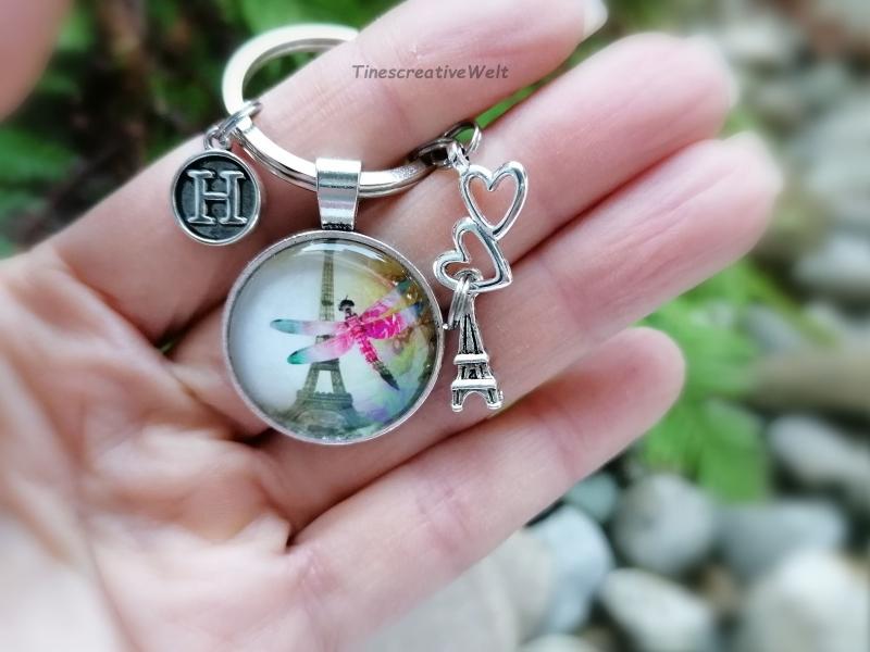 Kleinesbild - Personalisierter Schlüsselanhänger, Libelle, Eiffelturm, Glascabochon, Liebe, Geschenk