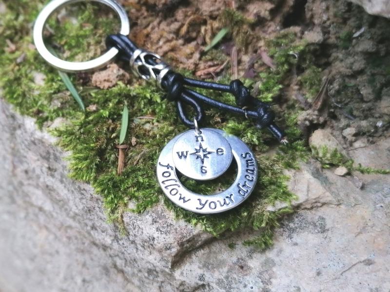 Kleinesbild - Schlüsselanhänger, Follow your Dream, Kompass, Echtleder, Glücksbringer, Geschenk für Männer