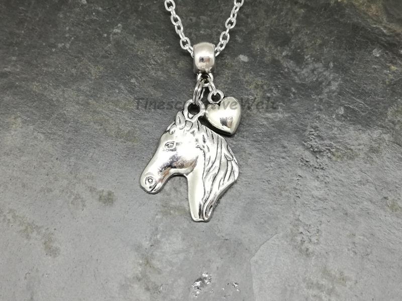 Kleinesbild - Kette, Pferd, Pferdekopf, Pferdekette, Herz, Glücksbringer, Tierliebhaber, Geschenk