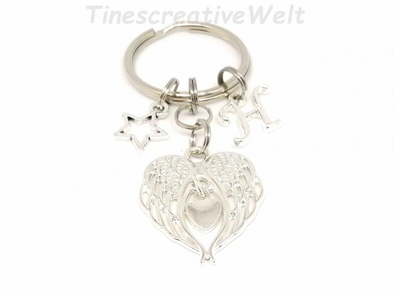 Kleinesbild - Personalisierbarer Schlüsselanhänger, Engelsflügel, Buchstaben, Herz, Stern, Glücksbringer, Geschenk für Frauen, Geschenk Für Männer