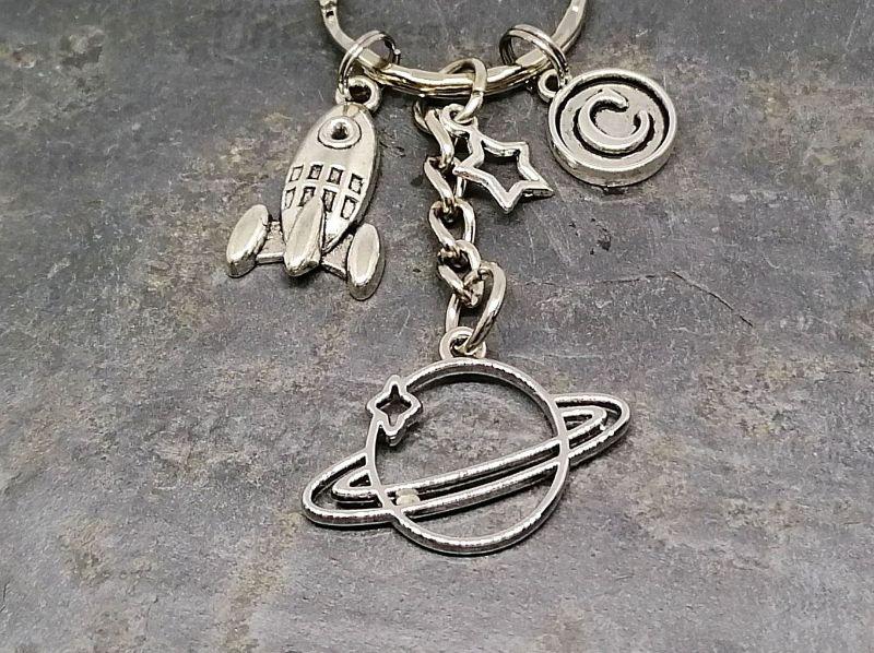 - Schlüsselanhänger, Rakete, Saturn, Planet, Weltall, Stern, Geschenk, Mann, Junge - Schlüsselanhänger, Rakete, Saturn, Planet, Weltall, Stern, Geschenk, Mann, Junge