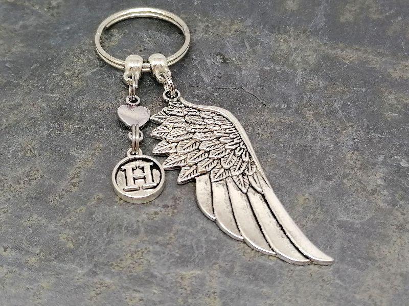 Kleinesbild - Personalisierter Schlüsselanhänger, Engelsflügel, Taschenanhänger, Glücksbringer, Geschenkidee